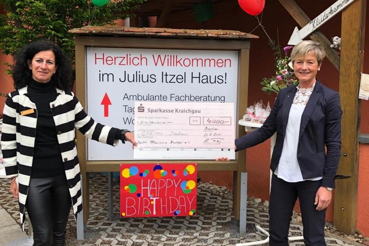 Spendenübergabe Julius Itzel Haus